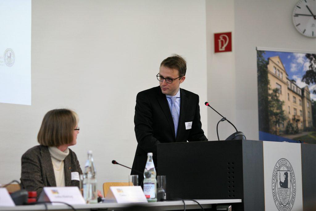 (c) Sebastian Schreiber